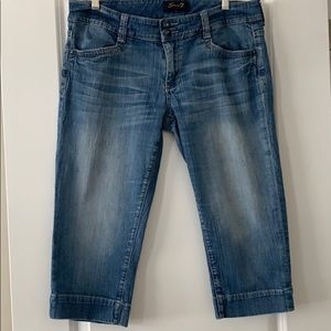 Seven7 brand low rise Capri jeans